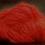 Garn spunnet av silke och ull från samojed. Foto: Irene Andersson / Spinn Dotter Min